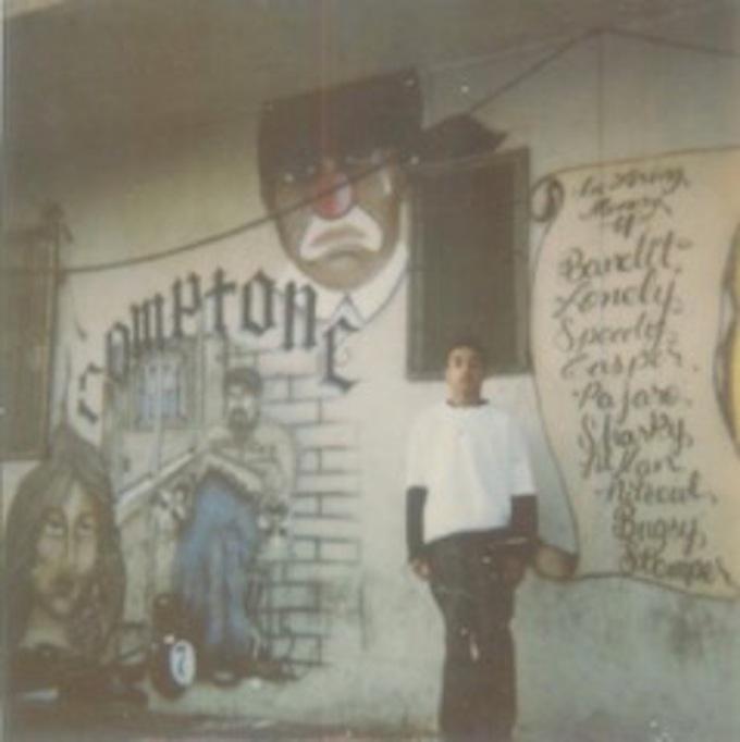 Gang-Graffiti-Honoring-Fallen-Members